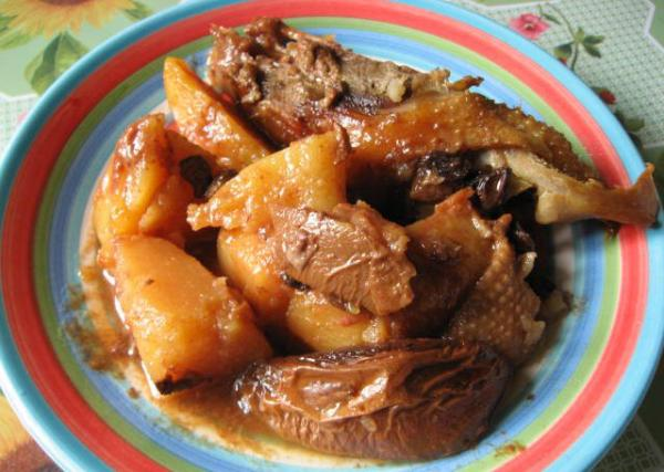 Тушеная картошка с гусем